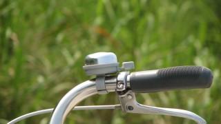 チリンチリン♪ママチャリ(自転車)のフリー写真