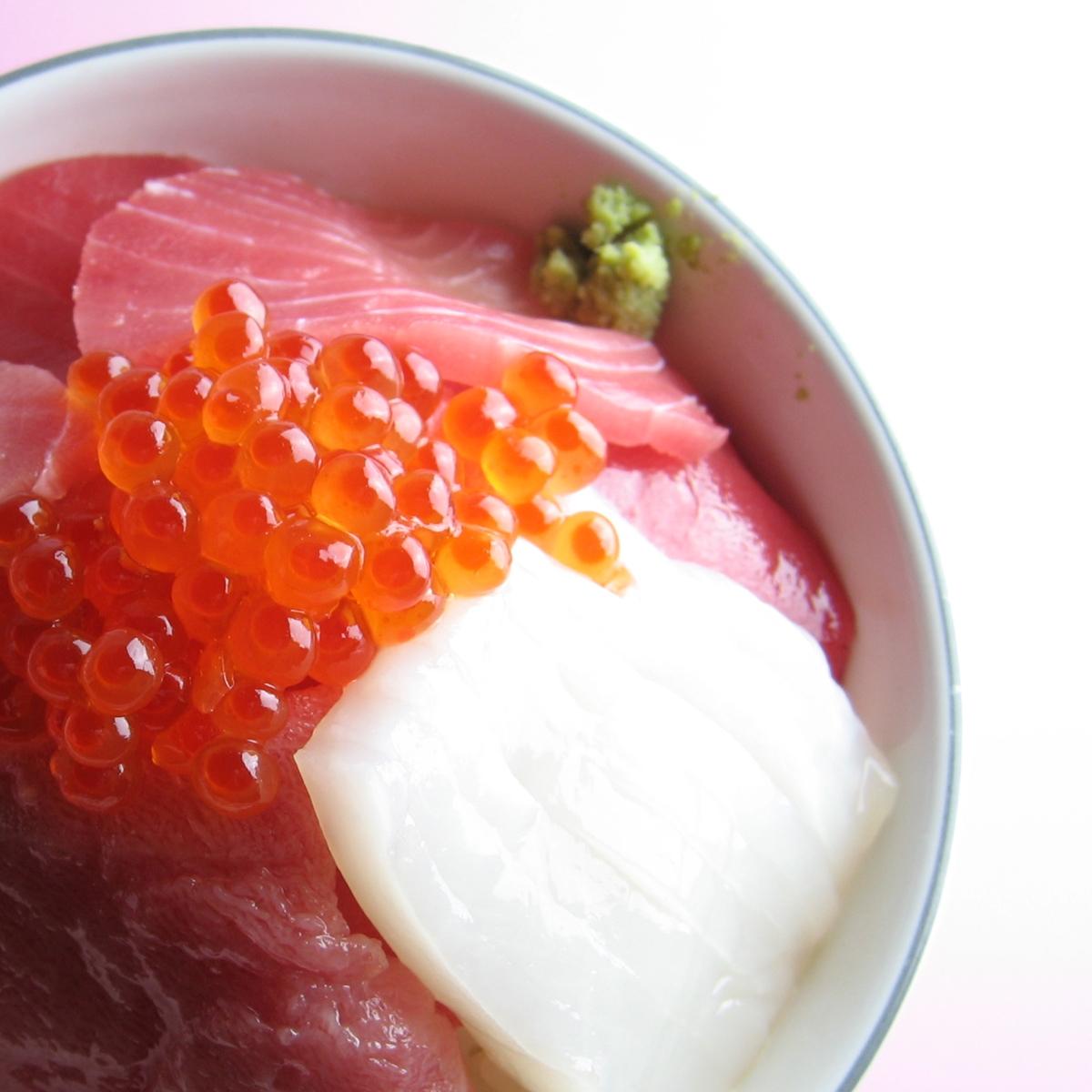 海鮮丼 (0)