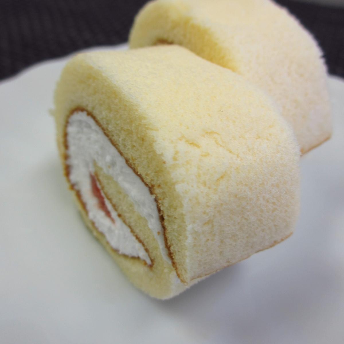 イチゴのロールケーキ20150627 (10)