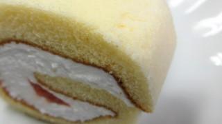 苺のロールケーキのフリー写真