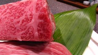 毎月29日はお肉の日!お寿司屋さんの高級和牛のフリー写真