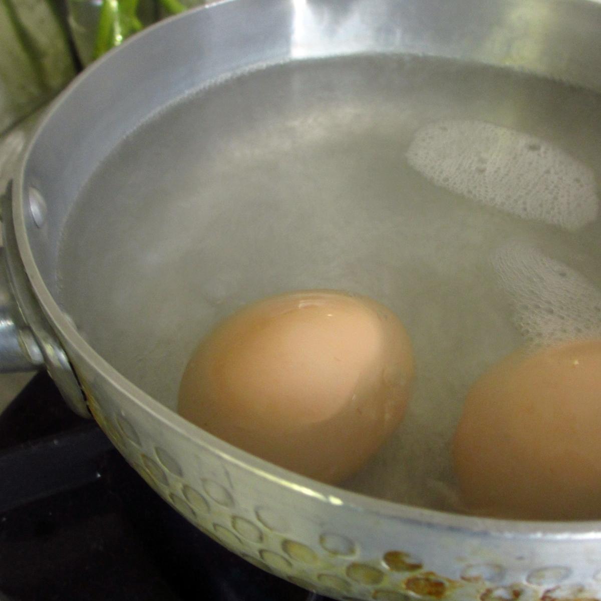 ゆで卵調理中20150704 (10)